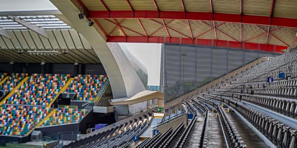 Stadio Friuli, partiti i lavori per le paratie laterali in Tribuna