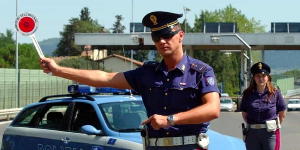 La Polizia stradale di Udine arresta altri due «ladri da autogrill»