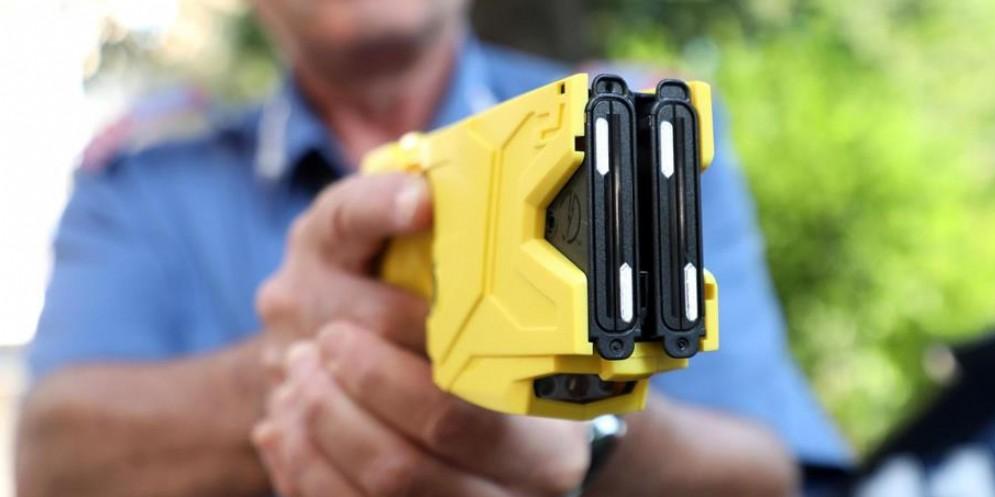 Pistola a impulso elettrico in arrivo per gli agenti della Polizia locale