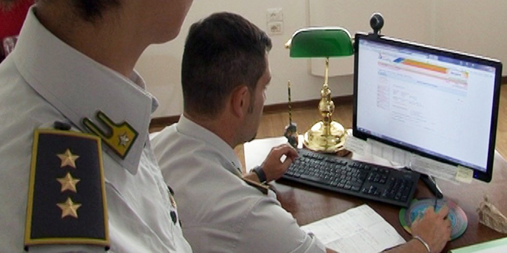 Si spaccia per 'collezionista' di criptovalute: in realtà evade 750.000 euro