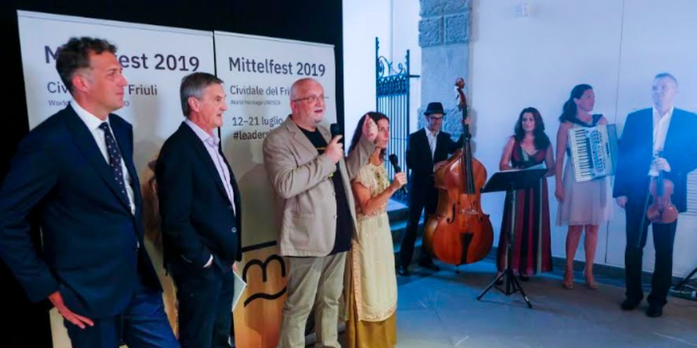 Mittelfest, il direttore artistici cita Carola Rackete. Fedriga diserta l'inaugurazione