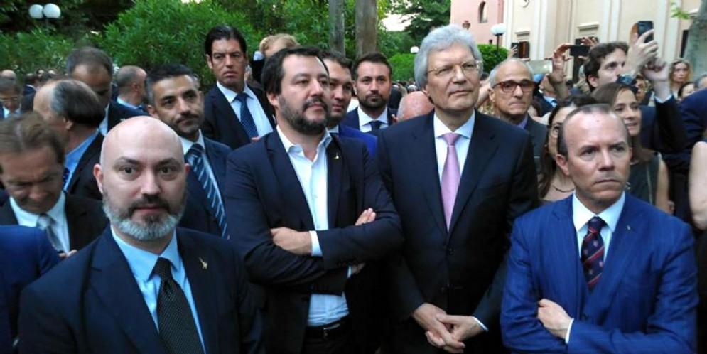 Villa Abamelek, residenza dell'ambasciatore russo. Il ministro dell'Interno Matteo Salvini partecipa a una festa con Gianluca Savoini (primo a sinistra) , giugno 2018