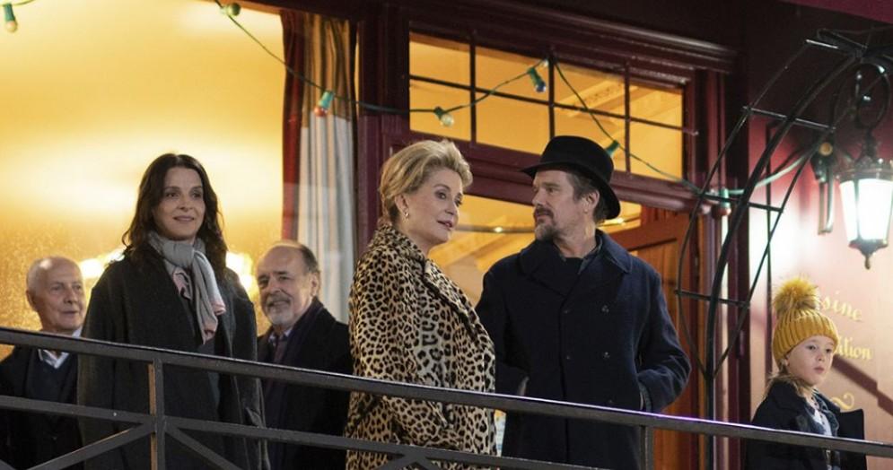 Catherine Deneuve, Juliette Binoche, Ethan Hawke sul set de «La vérité»