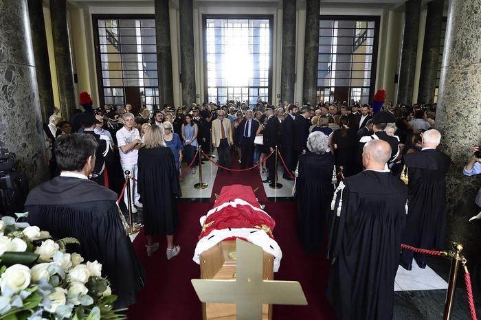 La Camera ardente al Palazzo di Giustizia di Milano
