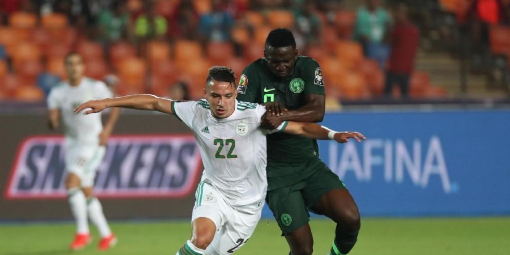 Ismael Bennacer, nuovo acquisto del Milan, in azione con la maglia dell'Algeria