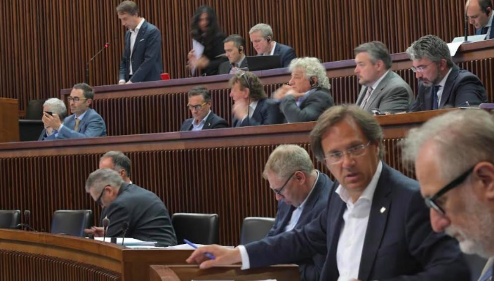 Ritorno dei vitalizi: ritirata la proposta in Consiglio regionale