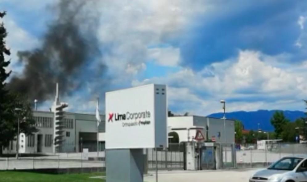 Principio di incendio alla Lima Corporate: sul posto i vigili del fuoco