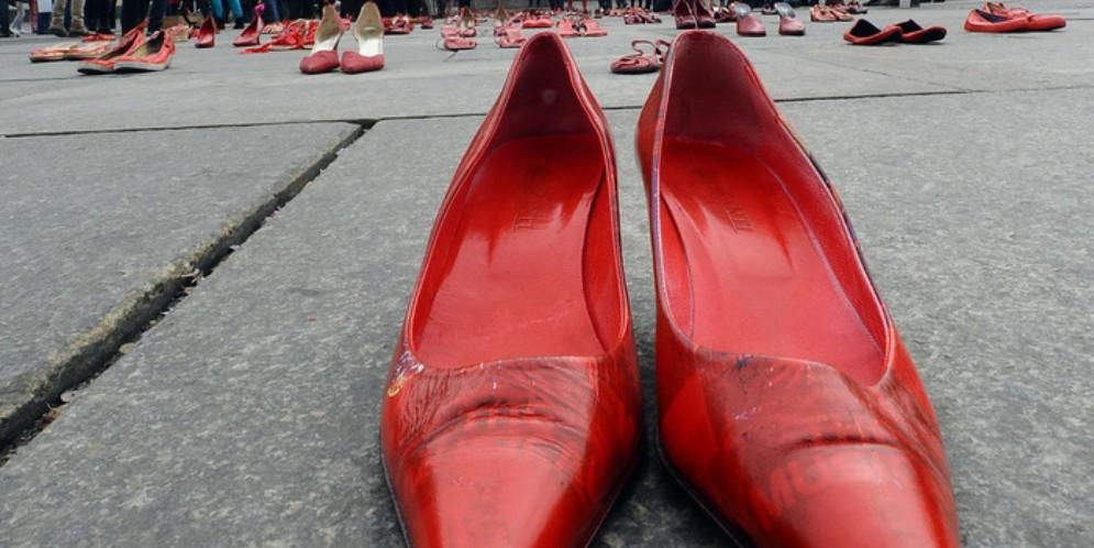 Scarpe rosse, simbolo della lotta alla violenza sulle donne