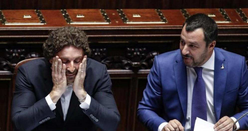 Danilo Toninelli e Matteo Salvini sui banchi del Governo