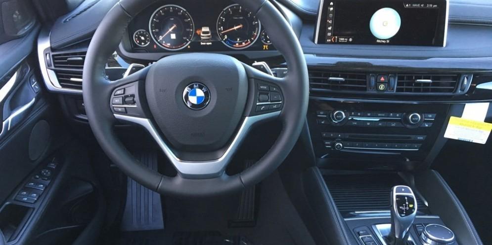 Interni di auto BMW X6