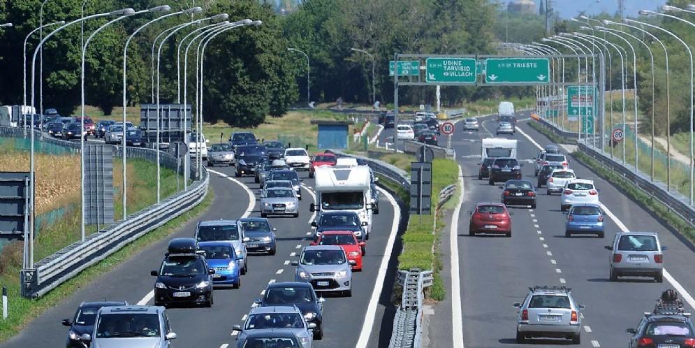 Esodo e primo controesodo: giornate di traffico in autostrada