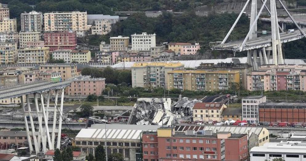 I resti del Ponte Morandi a Genova