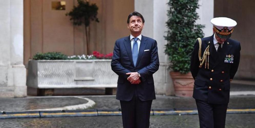 Giuseppe Conte al Senato annuncia le dimissioni