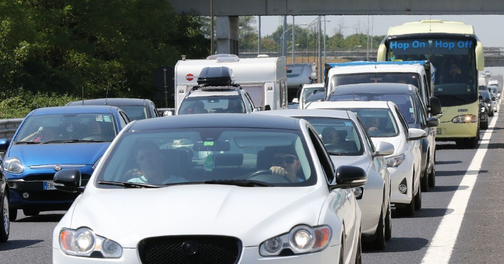Altro fine settimana di traffico in autostrada: sabato previsto il bollino nero