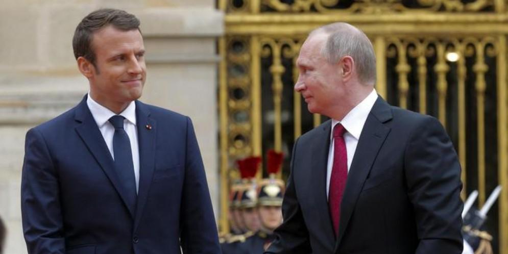 Emmanuel Macron con il Presidente russo, Vladimir Putin
