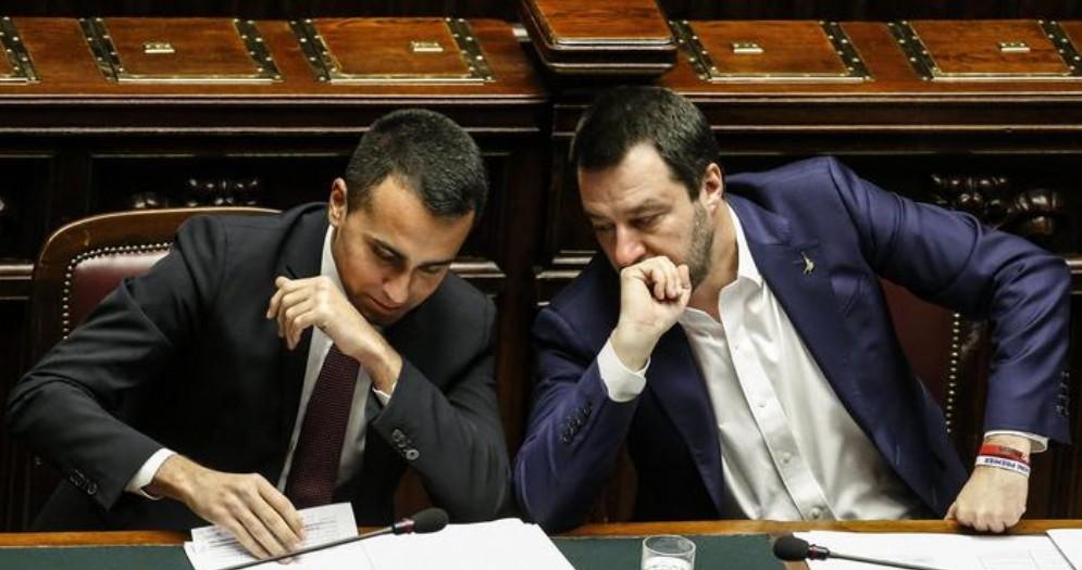 Luigi Di Maio e Matteo Salvini sui banchi del Governo