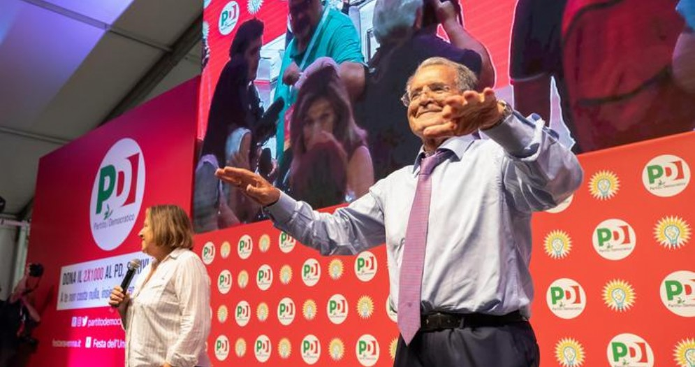 Prodi: il nuovo governo deve creare il ministero per l'immigrazione