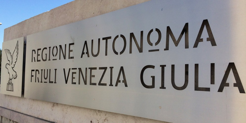 Finanze: Fitch attribuisce un rating di 'A-' alla Regione Fvg