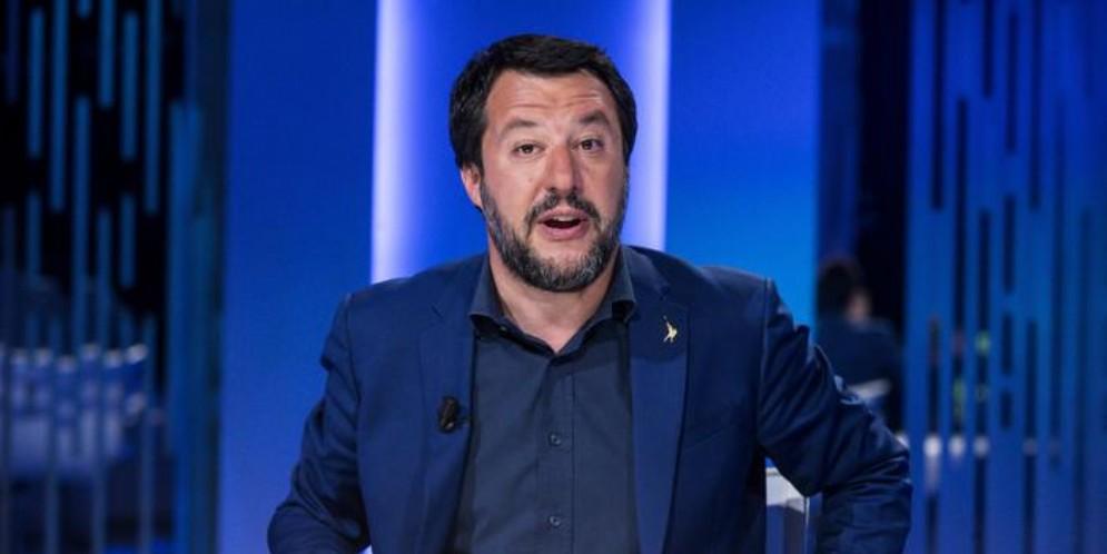 Salvini incitato al suicidio, spunta la querela a Sanfilippo