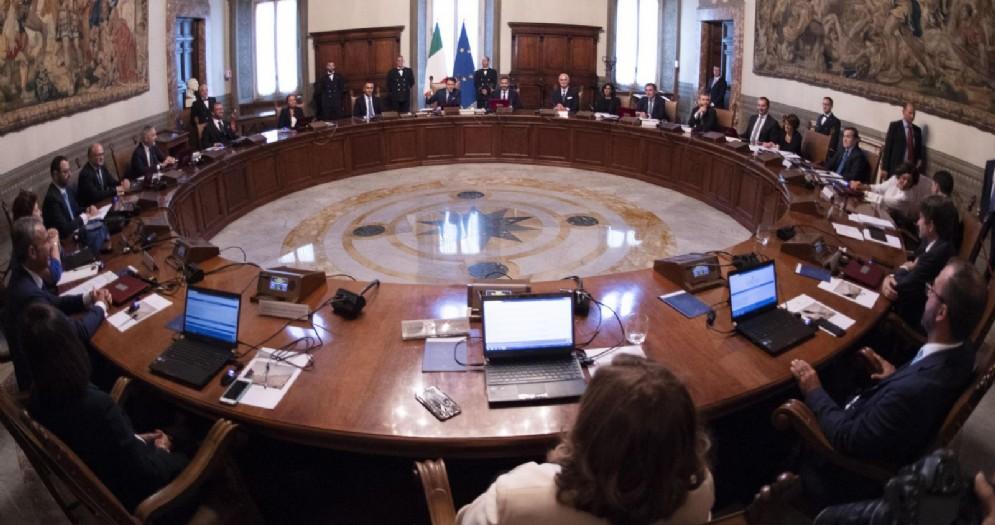 Il primo Consiglio dei ministri del secondo governo del presidente Giuseppe Conte, a Palazzo Chigi