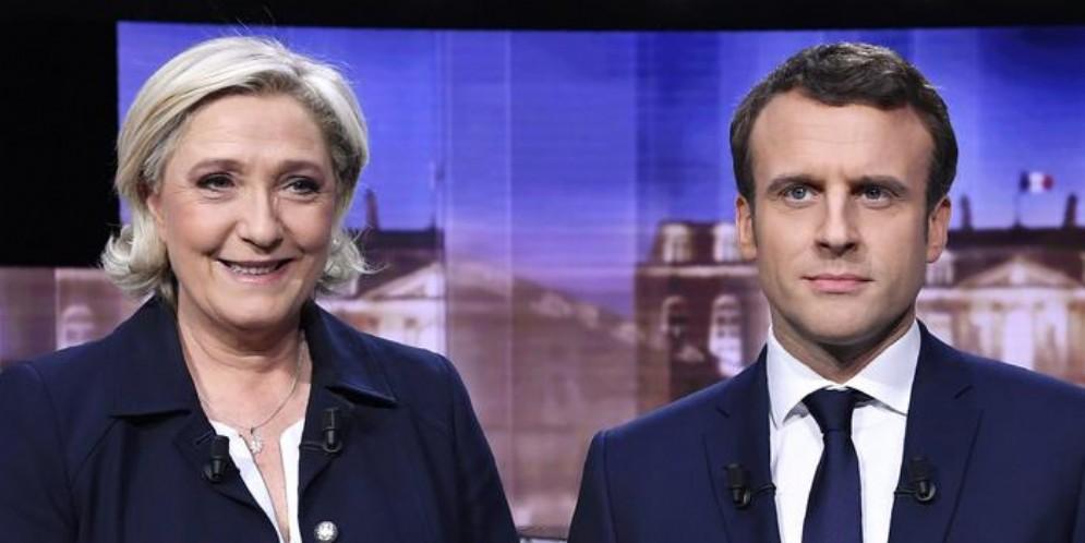 Macron vuole una stretta sui migranti, Le Pen: «Non gli credo»