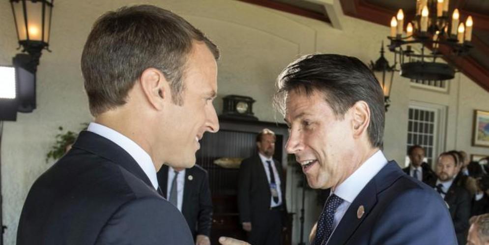 Il Presidente francese, Emmanuel Macron con il Premier Giuseppe Conte