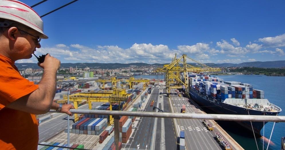 Panorama del porto di Trieste