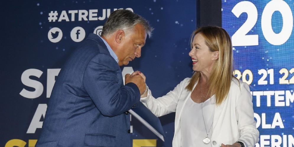 Viktor Orban e Giorgia Meloni ad Atreju