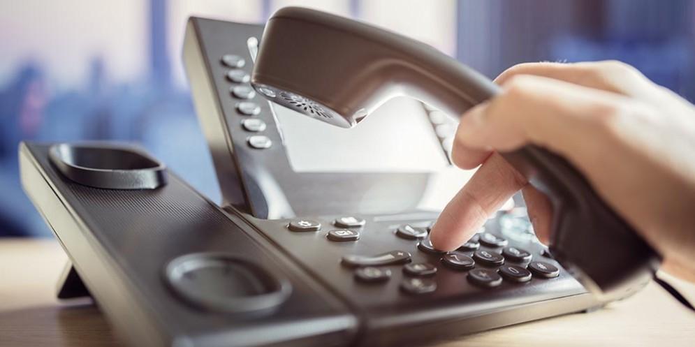 Truffa dell'acqua: operatori telefonici propongono falsi piani tariffari