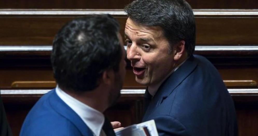 Matteo Salvini (di spalle) con Matteo Renzi