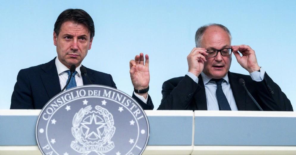 Il Premier Giuseppe Conte con il Ministro Roberto Gualteri