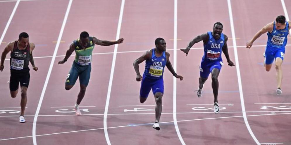 La finale dei 100 metri dei mondiali di Doha con Filippo Tortu settimo