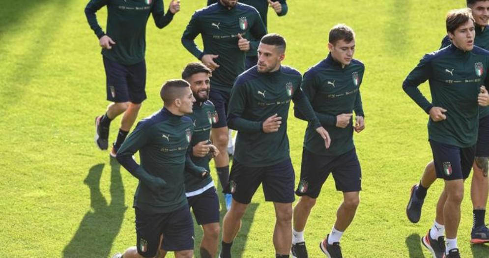 I giocatori della nazionale in allenamento con la nuova maglia verde