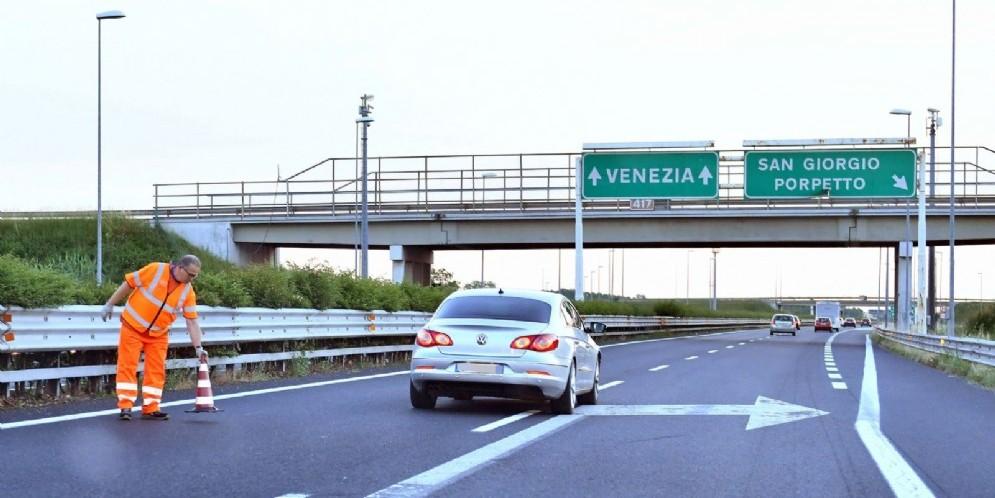 A4, chiusa la terza corsia tra Palmanova e Gonars