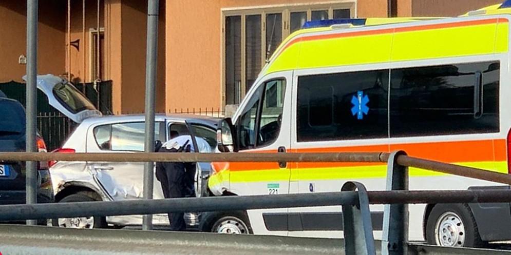 Scontro tra un'auto e una bicicletta: ferita una 49enne
