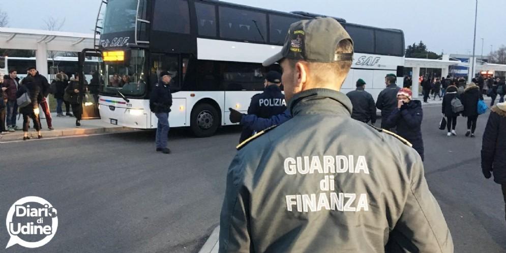 Controlli straordinari in Borgo stazione e al Terminal studenti
