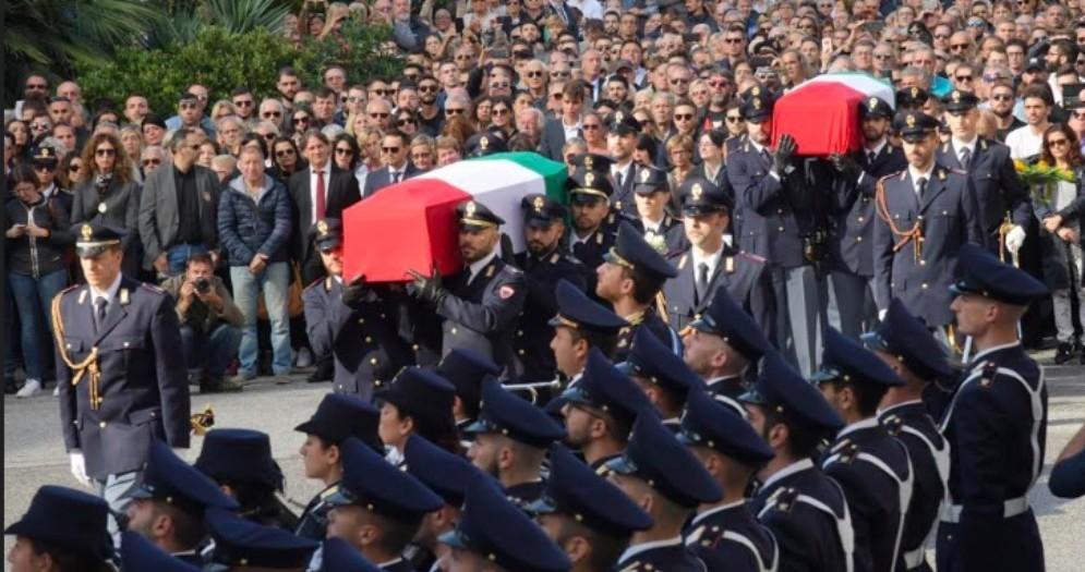 Funerali dei due agenti, Fedriga: «Scortati in chiesa dalla nostra gente»
