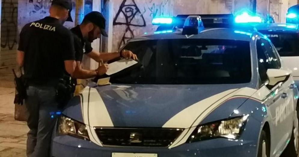 Mezzi e personale della Polizia di Stato