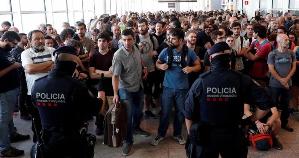 Caos all'aeroporto di Barcellona: c'era anche un gruppo di turisti friulani