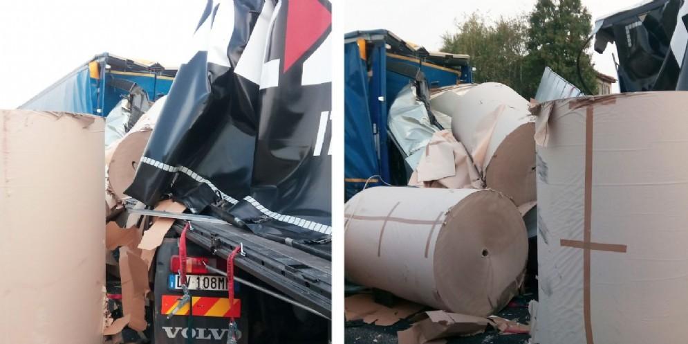 Tamponamento tra mezzi pesanti: traffico bloccato in A4