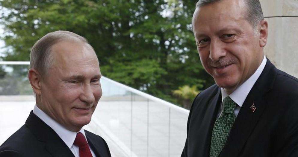 Il Presidente russo, Vladimir Putin con il suo omologo turco, Erdogan