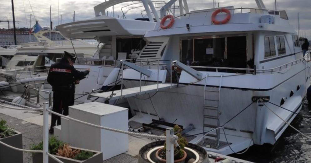 Sequestrata dai Carabinieri del Nucleo Natanti di Venezia un'unità da diporto di venti metri