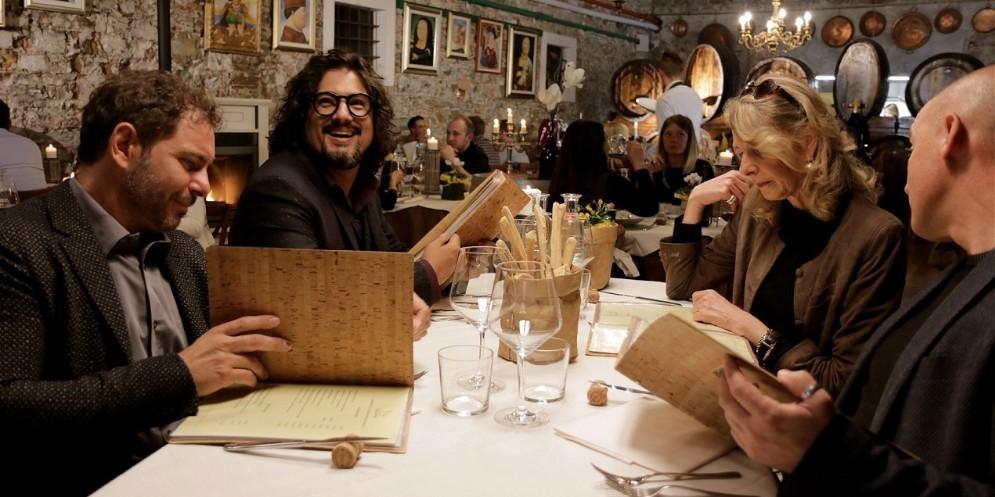Alessandro Borghese torna in Fvg per raccontare le eccellenze enogastronomiche della Carnia