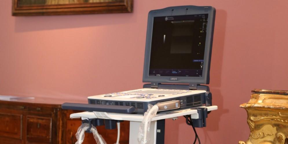 Andos Udine dona un ecografo portatile all'Unità Senologica dell'Ospedale