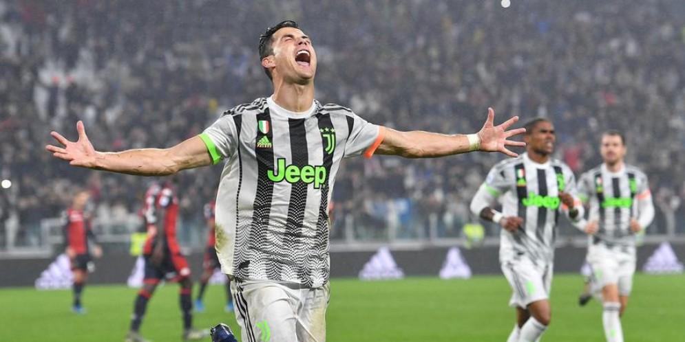 Cristiano Ronaldo esulta dopo un goal con la Juventus