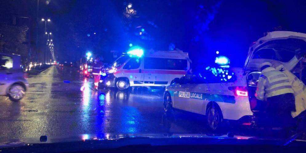 Ennesimo incidente stradale in viale Venezia: ferita una donna