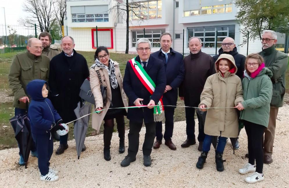 Inaugurata una nuova area verde nel quartiere dei Rizzi