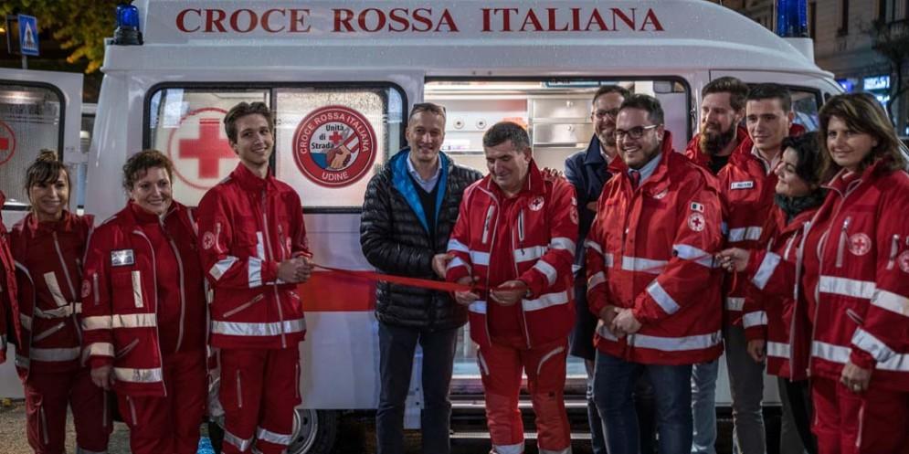 Croce Rossa Udine, salari in picchiata per gli operatori