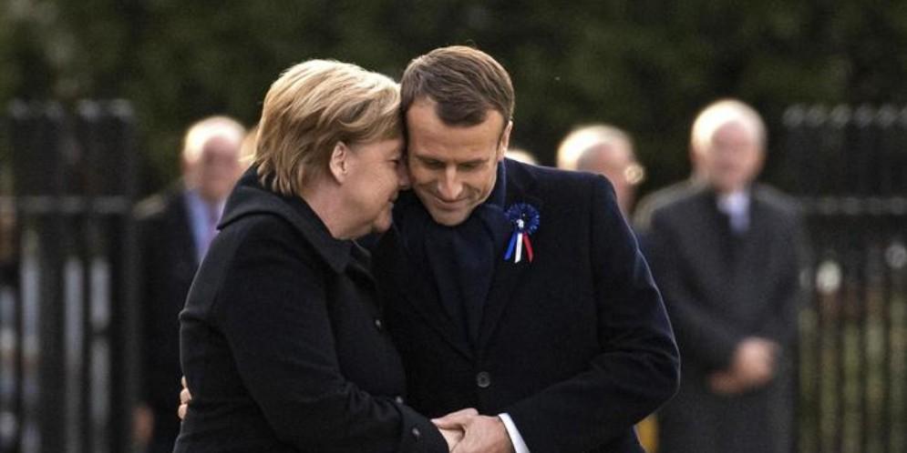 La Cancelliera Angela Merkel con il Presidente francese, Emmanuel Macron
