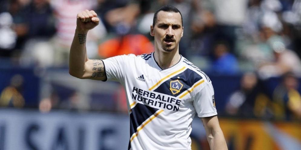 Zlatan Ibrahimovic, 38 anni, pensa ad un suo possibile ritorno in Italia